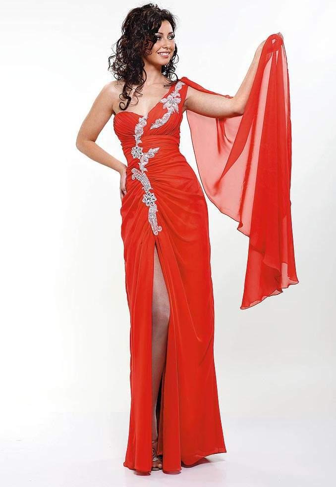 Лучшие вечерние платья красных дорожек 2012